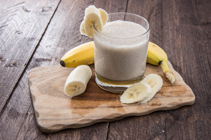refreshing banana and honey smoothie