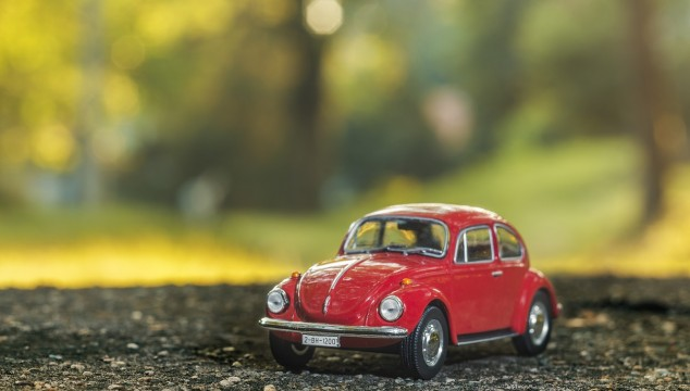 toy car beetle red